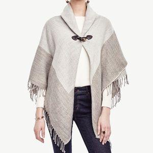✨ 3/$30 Ann Taylor Gray Shawl Collar Cape